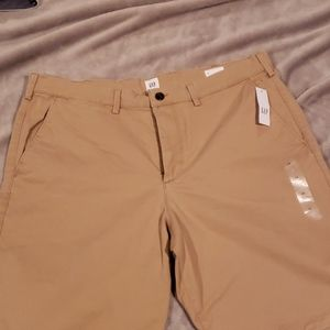 "21"" NWT Gap beige shorts men's 38"